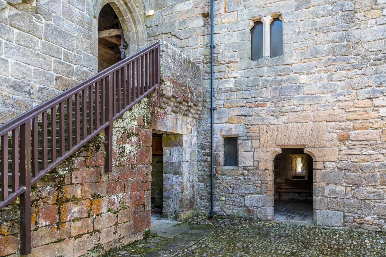 Corbridge walk, Aydon Castle courtyard