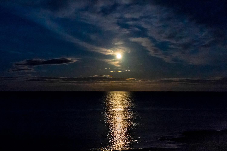The Bathing House Northumberland, moonrise