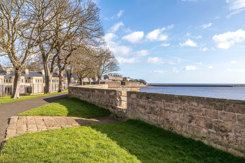 Berwick-upon-Tweed quay walls