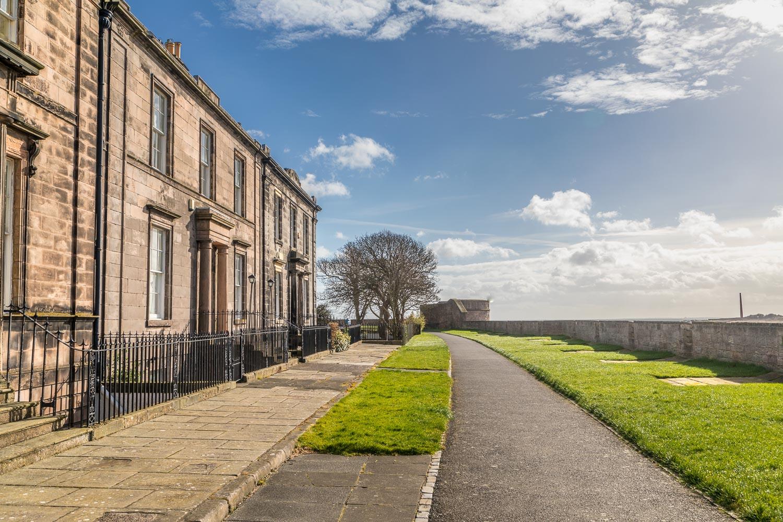 Berwick-upon-Tweed walk, Quay Walls