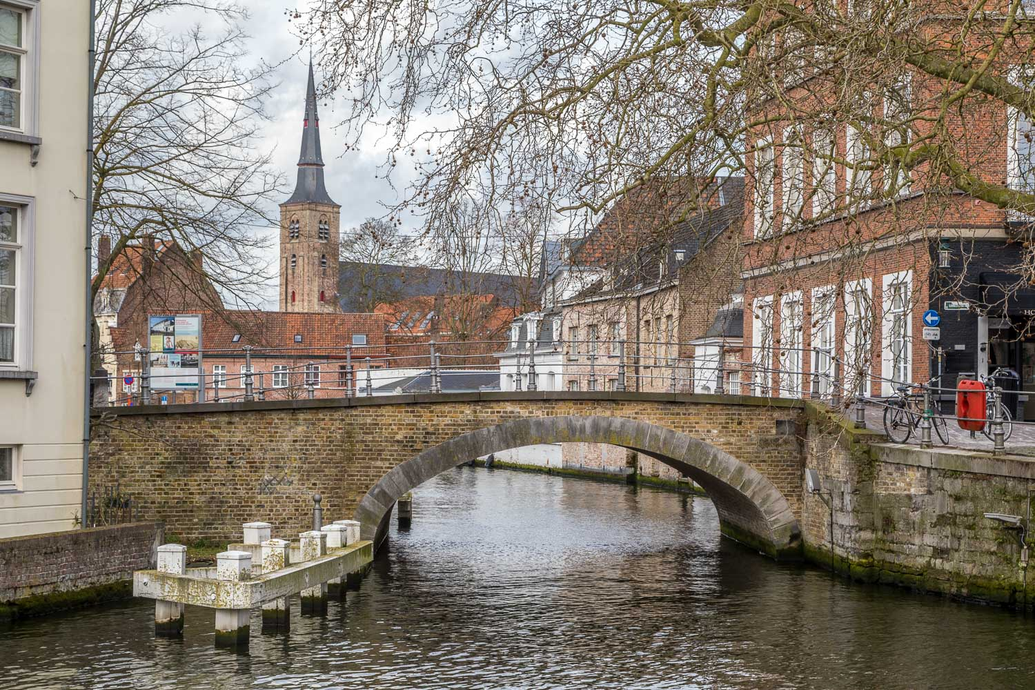 Hoogstraat, Groenerei canal, St Anna Church, Bruges