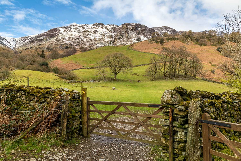 Castle Crag walk, Lingy Bank