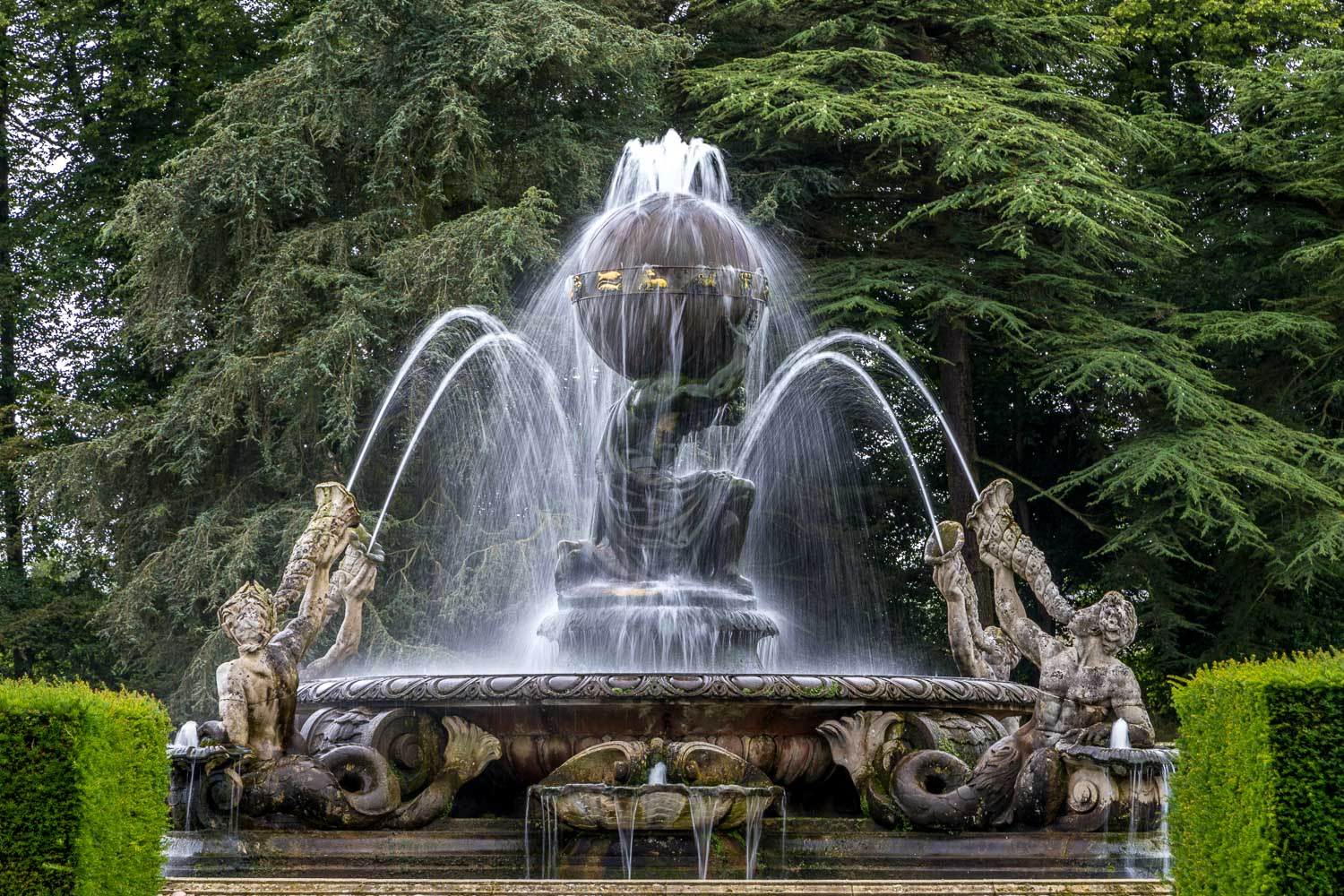 Castle Howard garden, Atlas Fountain