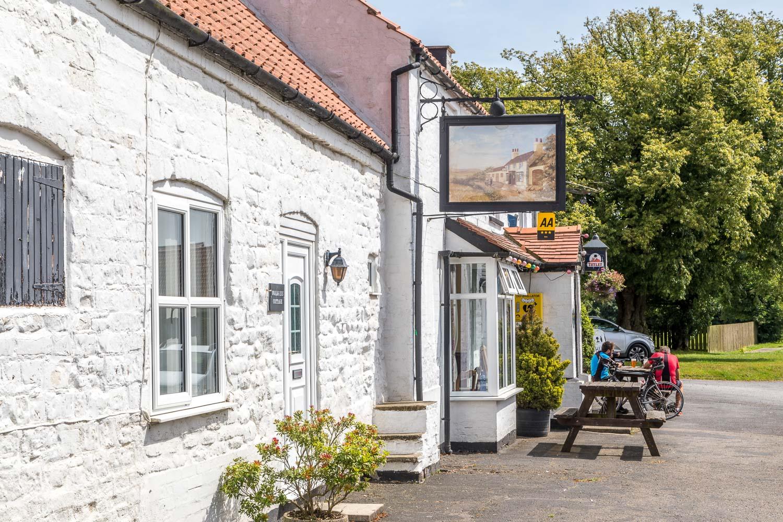 Chalkland Way, Wetwang walk, Huggate walk, Wolds Inn Huggate