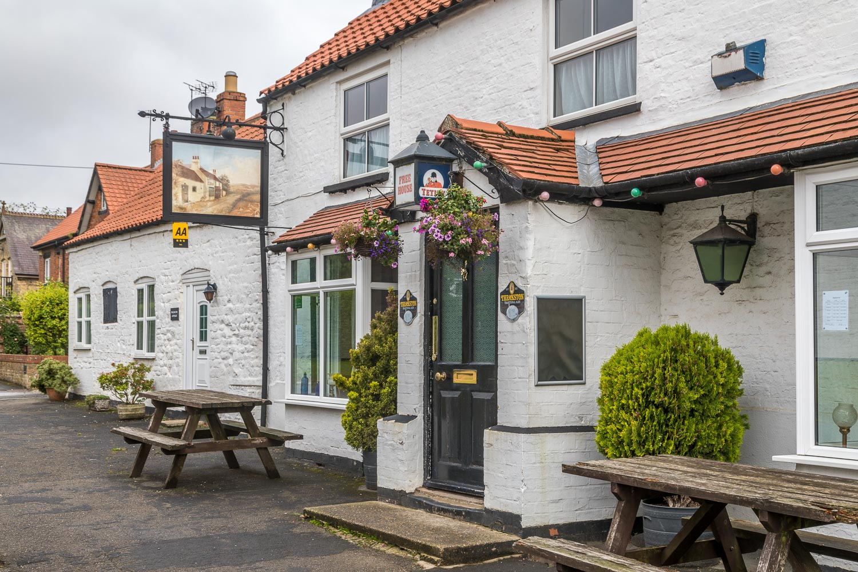 Chalkland Way, Wolds Inn Huggate
