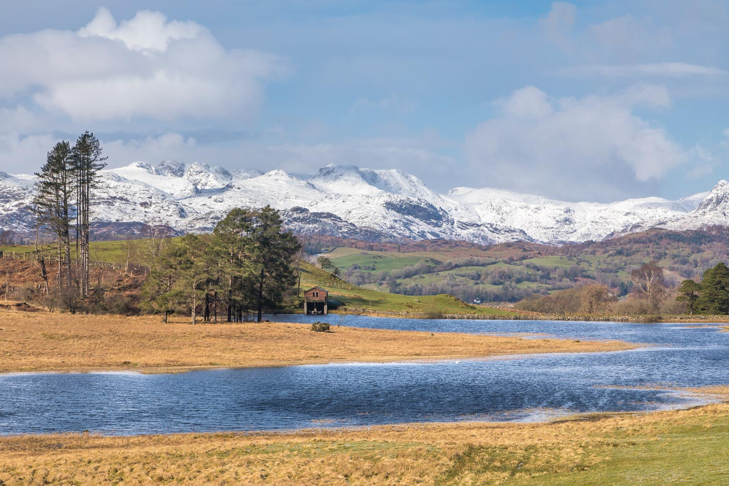 Wise Een Tarn, Coniston fells