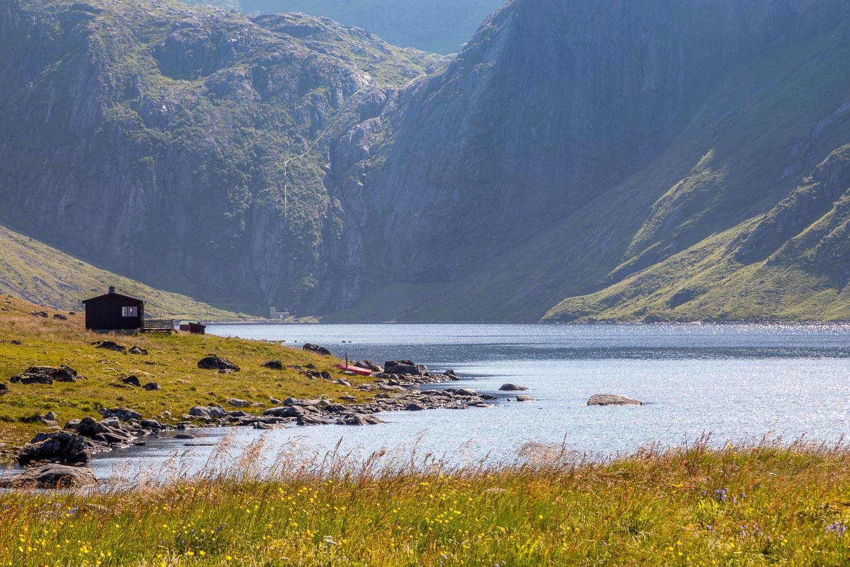 Eggum walk, Heimredalsvatnet lake, Lofoten walks