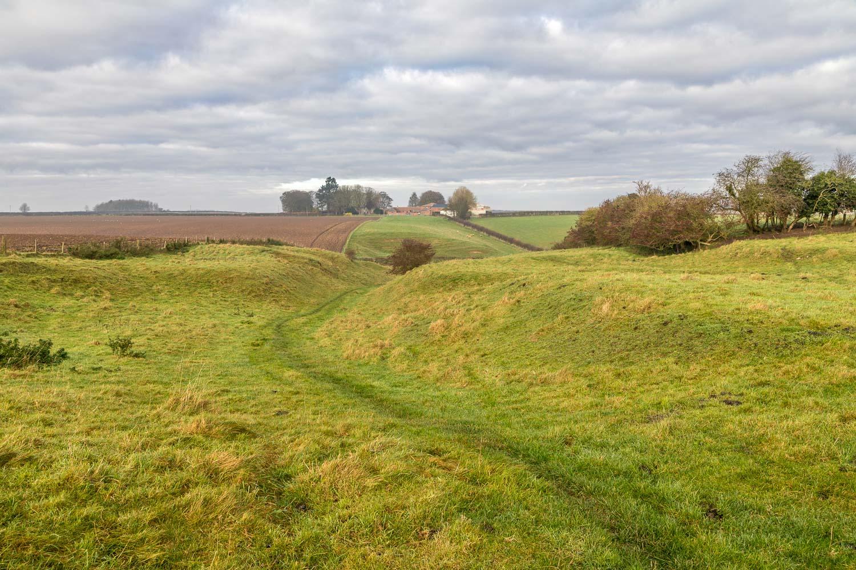 North Elkington, hollow way