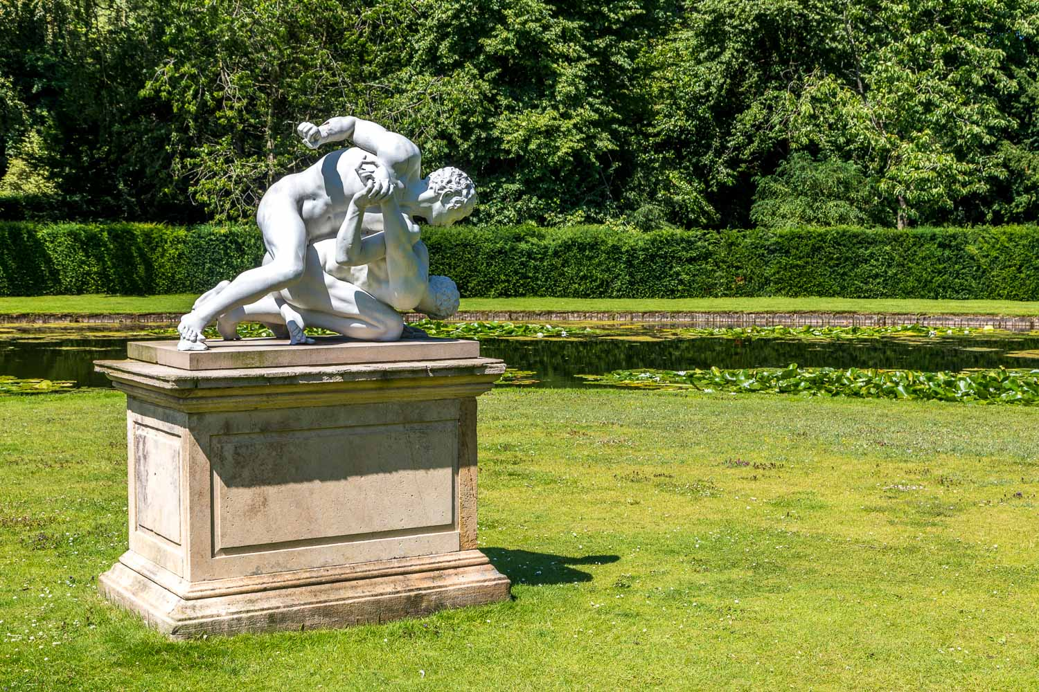 The Wrestlers statue, Studley Royal