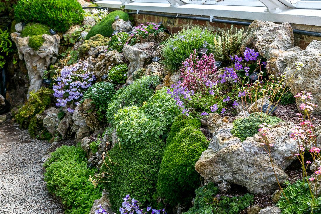 Holehird Gardens walk, tufa house