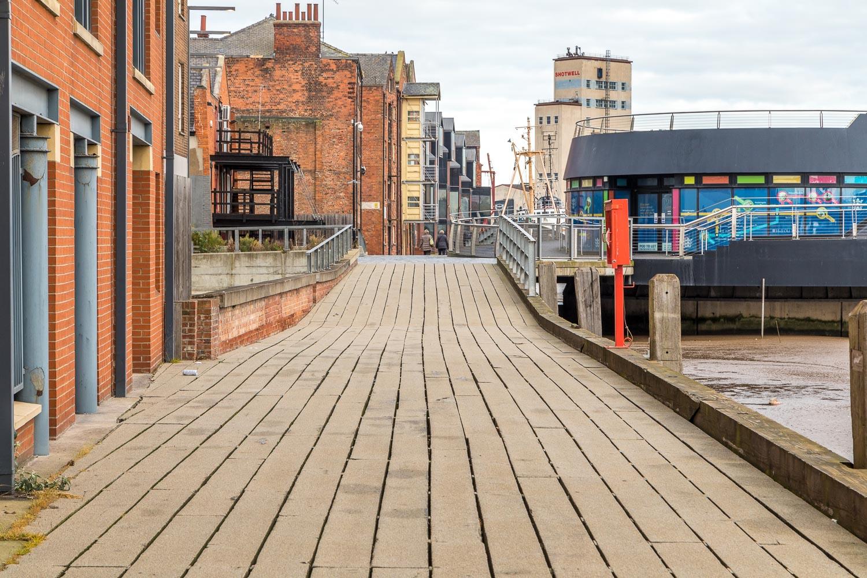 Hull Fish Trail, Harbourside Walkway