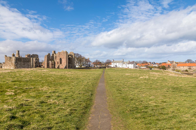 Lindisfarne walk, Holy Island walk, Holy Island village