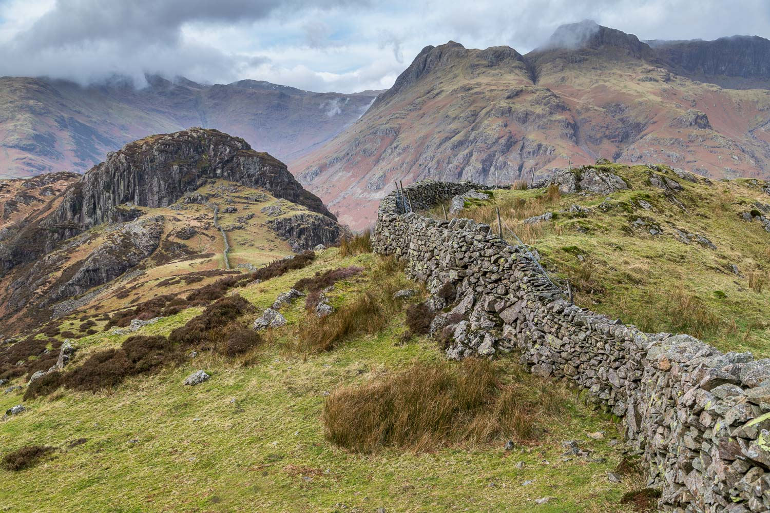 Side Pike, Langdale Pikes, dry stone wall