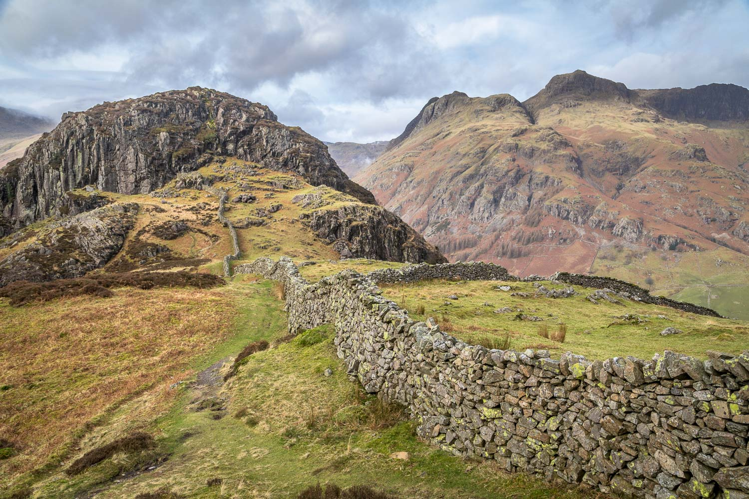 Lingmoor Fell walk, Side Pike, Langdale Pikes, dry stone wall