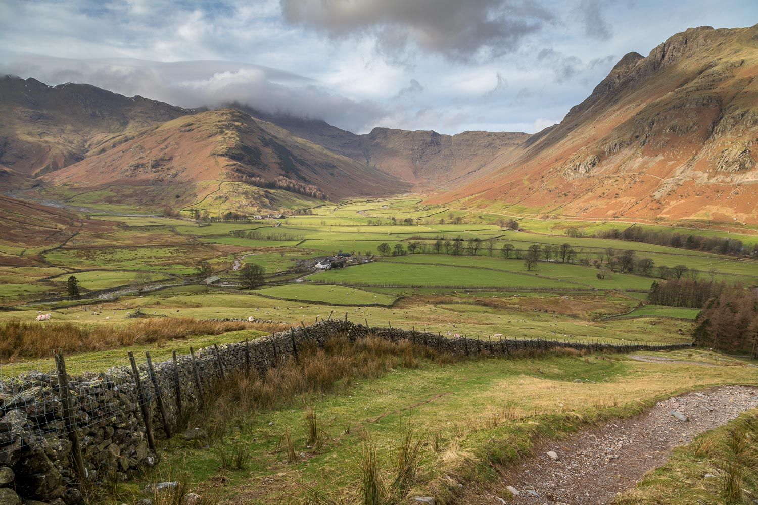 Mickleden, Langdale, dry stone wall