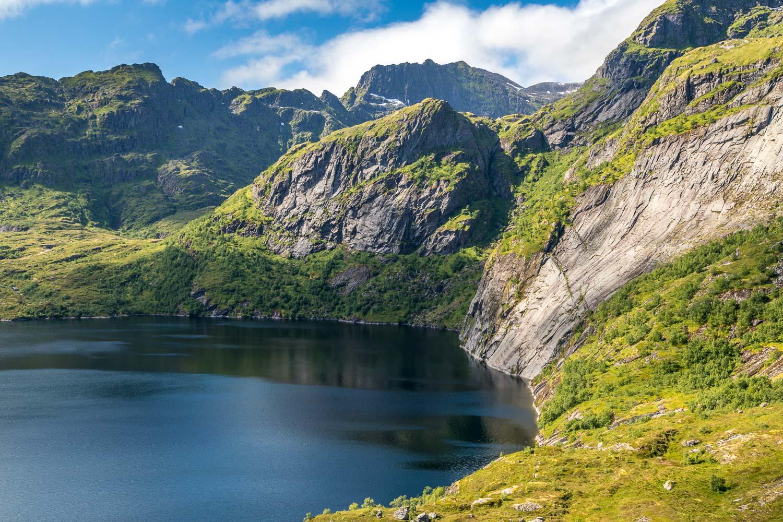Munkebu walk, Lofoten, Stuvdal lake