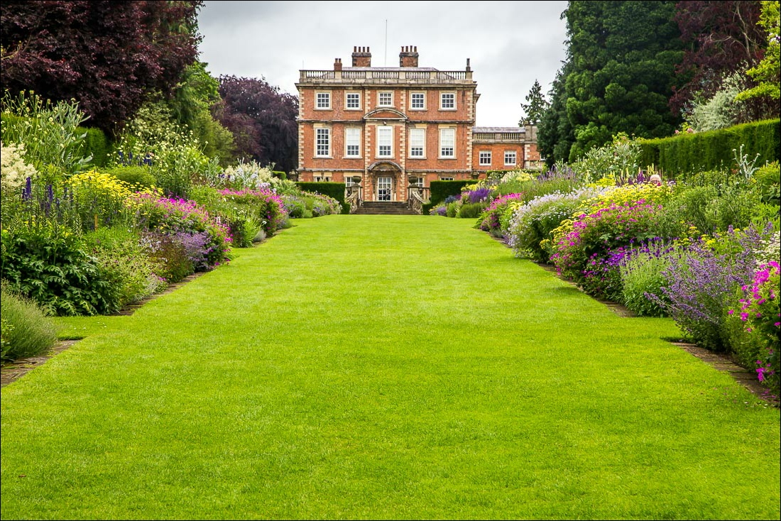 Newby Hall borders
