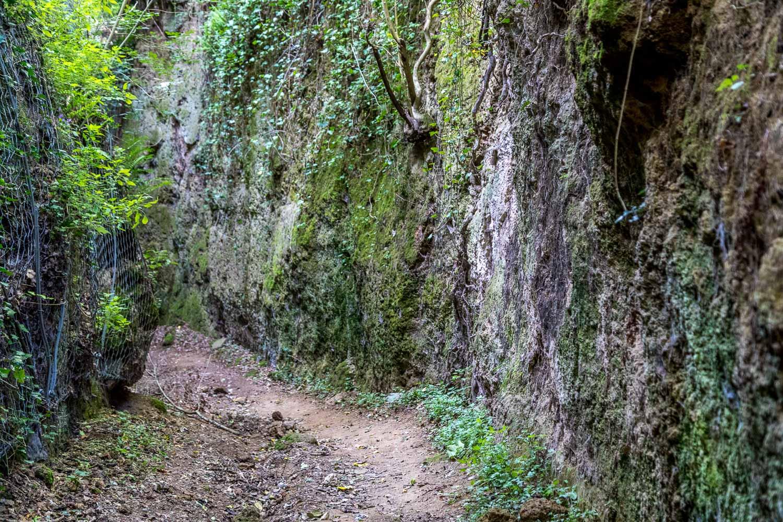 Pitigliano, Via Cava Poggio Cani