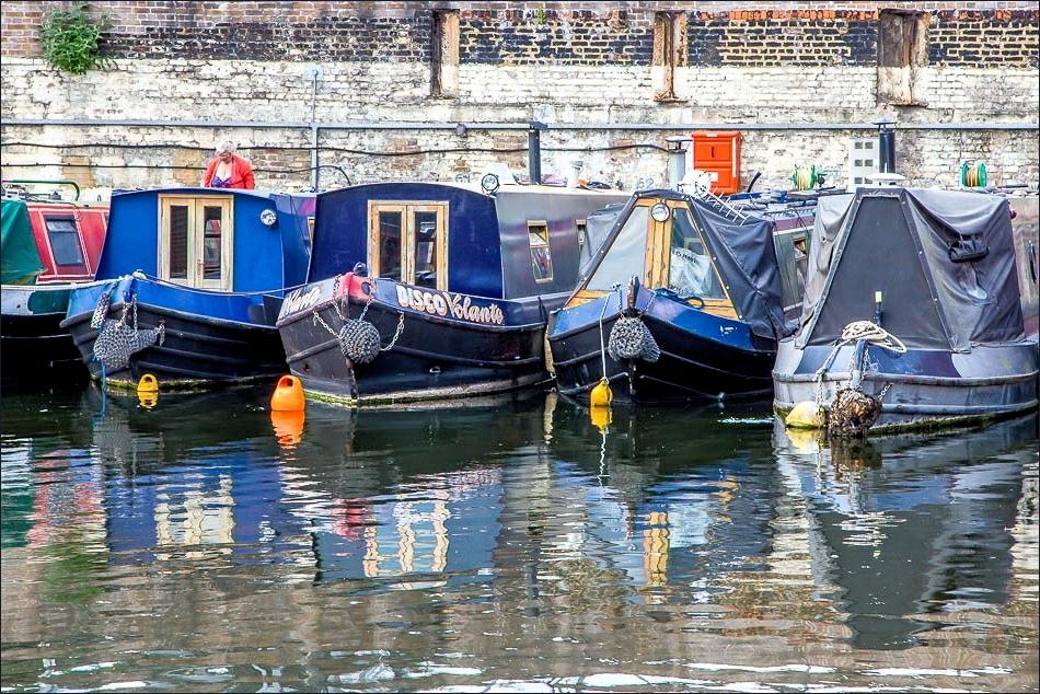 Regents Canal houseboat