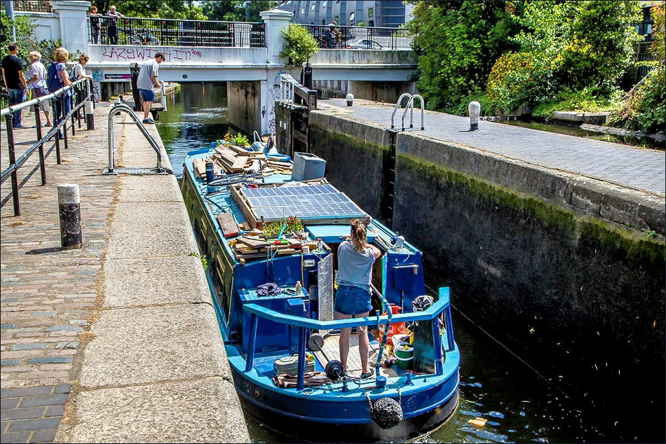 Regents Canal, Knetish Town Lock