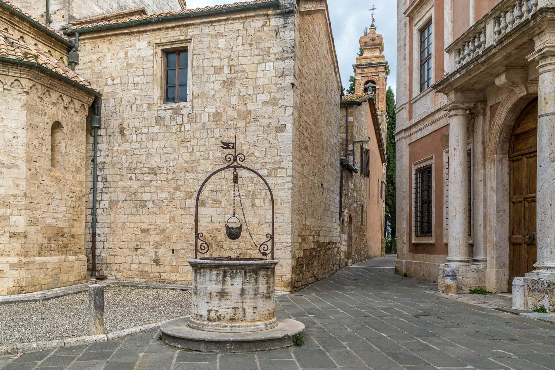 Old well San Quirico