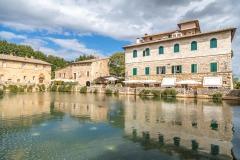 Bagno Vignoni, Le Terme