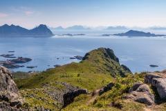 Tjeldbergtinden summit, Lofoten walks