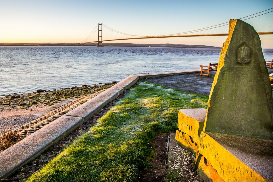 Wolds Way start, Humber Bridge